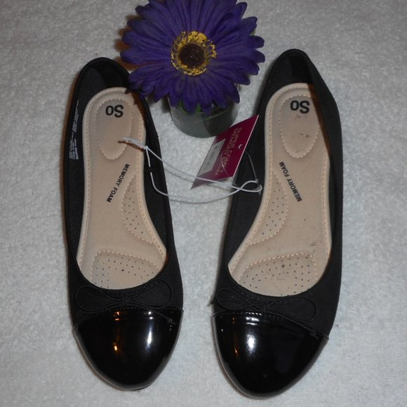 New SO Flats Black Size 9